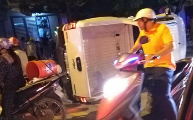 Nghi vấn giang hồ đi ô tô bán tải tông 2 thanh niên đi xe máy dừng đèn đỏ làm 1 người chết, 1 người bị thương - Ảnh 1.