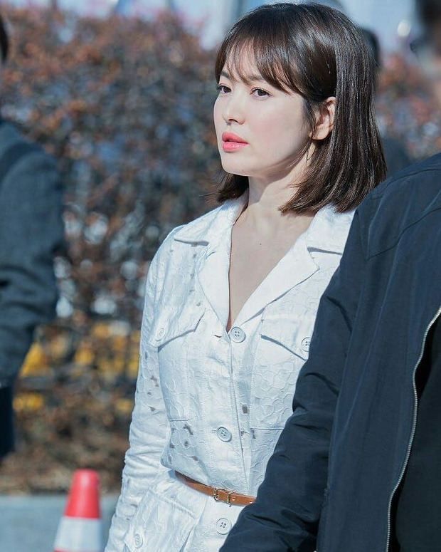 Sao nhí một thời Mặt trăng ôm mặt trời Kim Yoo Jung dự sự kiện mà gây bão: Xinh cực phẩm, fan nghĩ ngay đến Song Hye Kyo - Ảnh 8.