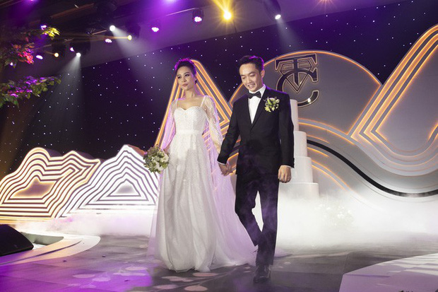 Hồi hộp chờ hôn lễ Đông Nhi - Ông Cao Thắng, điểm lại 5 đám cưới xa hoa nhất Vbiz: Toàn đầu tư tiền tỷ, an ninh thắt chặt tuyệt đối  - Ảnh 15.
