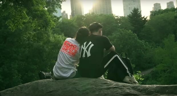 """Đến bây giờ câu chuyện đằng sau màn cầu hôn """"huyền thoại"""" ở New York của Ông Cao Thắng và Đông Nhi mới được hé lộ qua vlog du lịch của 1 người bạn đi cùng - Ảnh 24."""