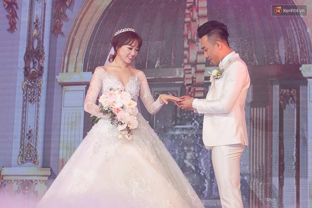 Hồi hộp chờ hôn lễ Đông Nhi - Ông Cao Thắng, điểm lại 5 đám cưới xa hoa nhất Vbiz: Toàn đầu tư tiền tỷ, an ninh thắt chặt tuyệt đối  - Ảnh 10.