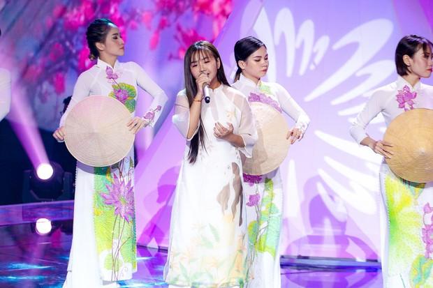 Giọng hát Việt nhí: Học trò Hương Giang chảy máu cam giữa buổi thi vẫn mang lại tiết mục xuất sắc - Ảnh 14.