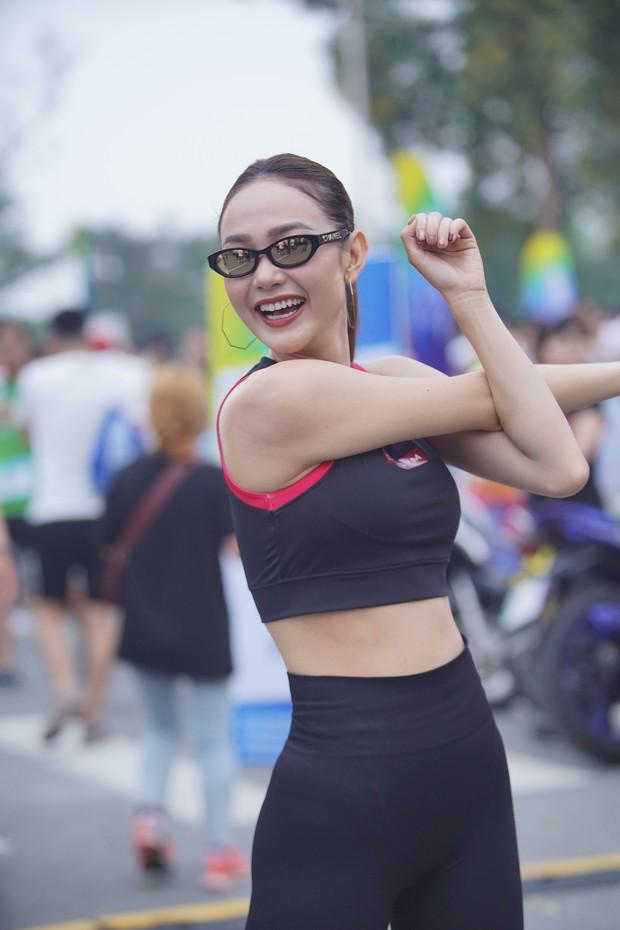 Quốc Anh đấm bóp tình cảm cho MLee, cùng Minh Hằng, Liên Bỉnh Phát... tham gia show Marathon - Ảnh 3.