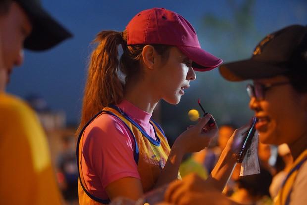 Quốc Anh đấm bóp tình cảm cho MLee, cùng Minh Hằng, Liên Bỉnh Phát... tham gia show Marathon - Ảnh 4.