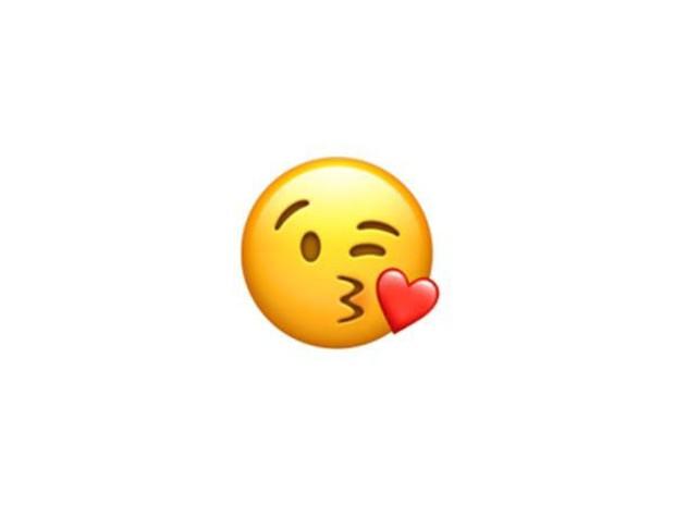 Xếp hạng 10 emoji phổ biến nhất thế giới: Top đầu chuẩn không lệch đi đâu được! - Ảnh 10.