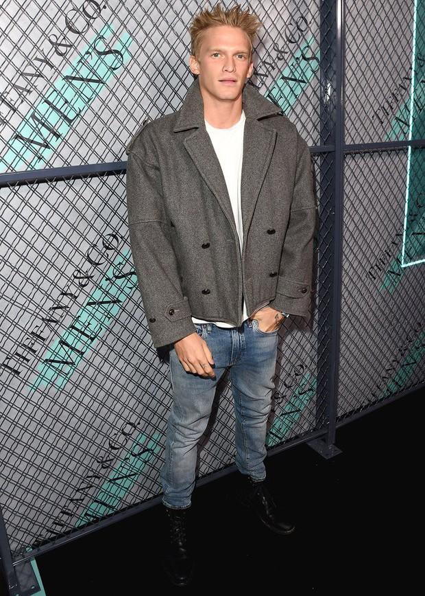 Ơn giời cuối cùng Cody Simpson thừa nhận đang say đắm yêu Miley Cyrus, tiết lộ điểm đặc biệt trong chuyện tình - Ảnh 3.