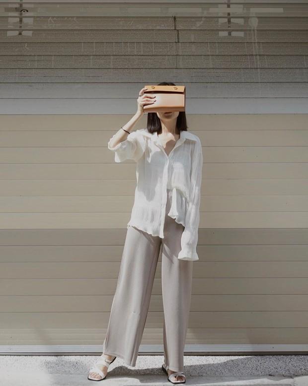 """5 mẫu áo sơ mi đang chiếm sóng Thu 2019, mau tậu gấp để """"nâng level"""" phong cách thôi các nàng công sở! - Ảnh 1."""