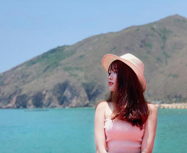 Bạn gái Văn Toàn đáp trả cực gắt vì bị fan nghi ngờ tìm được việc nhờ quan hệ của mẹ - Ảnh 3.