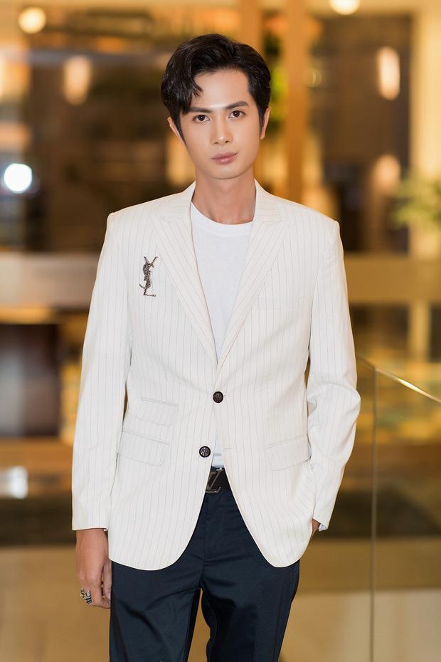 Sĩ Thanh - Huỳnh Phương diện tông trắng đồng điệu, lần đầu công khai lộ diện sau khi xác nhận chuyện hẹn hò - Ảnh 7.