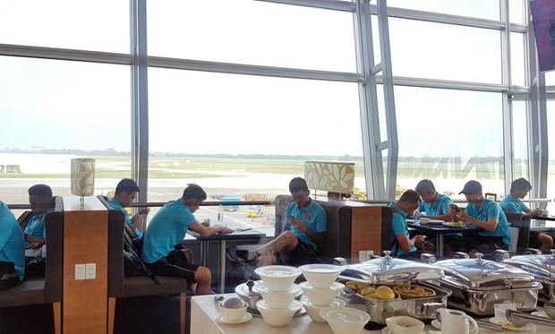 """Khui ngay resort 5 sao Bali siêu sang chảnh nơi đội tuyển Việt Nam """"đóng quân"""" trước khi đối đầu Indonesia - Ảnh 1."""