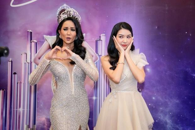 Thuyết âm mưu: Thúy Vân có phải là gián điệp được cài vào Hoa hậu Hoàn vũ Việt Nam? - Ảnh 9.