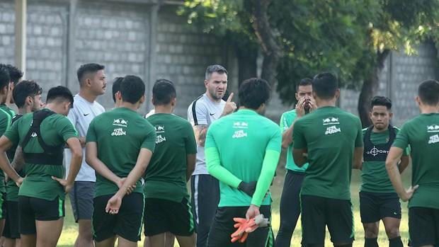 HLV Indonesia khẳng định đội nhà có thành tích đối đầu tốt trước Việt Nam nhờ may mắn - Ảnh 2.