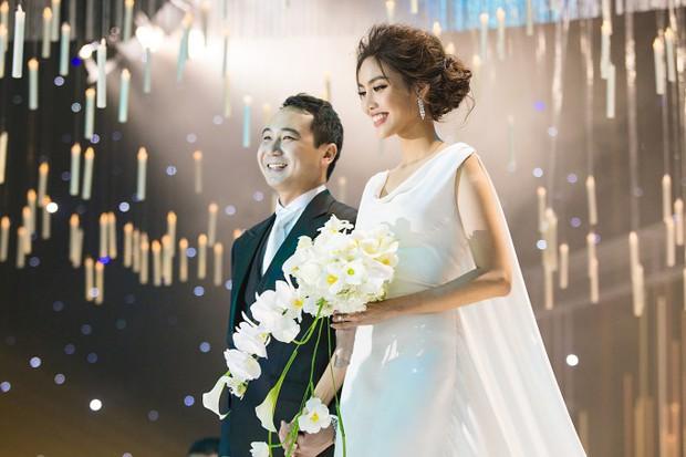 6 cặp đôi trai tài gái sắc của showbiz Việt: Đông Nhi là Á khoa, Ông Cao Thắng 12 năm học giỏi, Trấn Thành bị đuổi vì bận chạy show còn Hari luôn đứng đầu lớp - Ảnh 22.