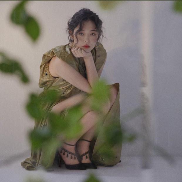 Choi Sulli và những khoảnh khắc đẹp nhất của cô gái đã từ chối nhận tổn thương thêm nữa - Ảnh 11.