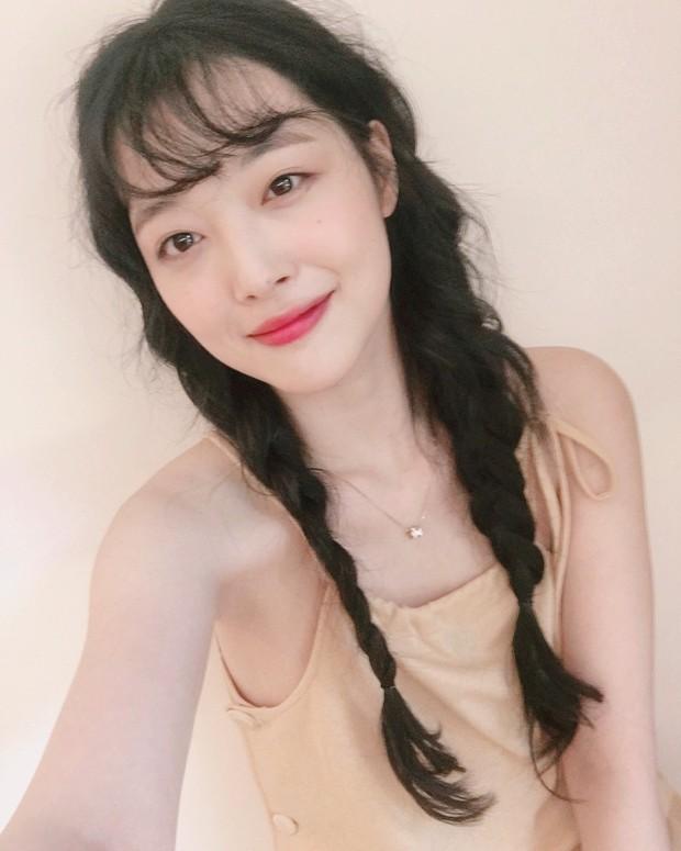 Choi Sulli và những khoảnh khắc đẹp nhất của cô gái đã từ chối nhận tổn thương thêm nữa - Ảnh 7.