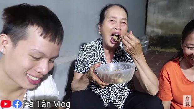 Loạt món ăn gây tranh cãi của bà Tân Vlog: Từ quảng cáo quá đà, nấu nướng vô lý đến thiếu tính giáo dục, liệu có phải là báo hiệu cho sự thoái trào? - Ảnh 18.