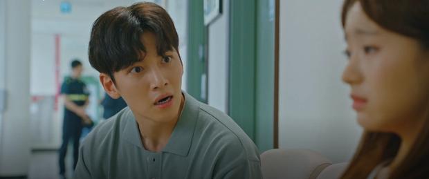Gu bạn gái mặn của Ji Chang Wook: Ăn nhiều hay tóc bết đều được, nhưng thích đánh người là chào thân ái! - Ảnh 3.