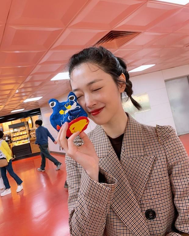 Choi Sulli và những khoảnh khắc đẹp nhất của cô gái đã từ chối nhận tổn thương thêm nữa - Ảnh 5.