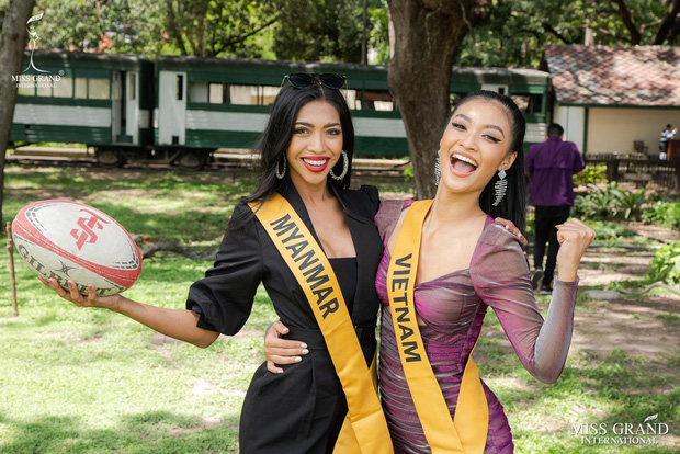 Tuyệt chiêu ghi điểm giúp Kiều Loan lọt vào 21 BXH nhan sắc tại Miss Grand: Luôn mỉm cười, chọn vị trí trung tâm nổi bật! - Ảnh 1.
