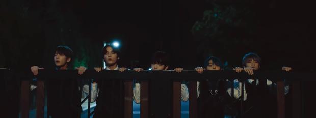 2 cái tên hot nhất Kpop tháng 10 đồng loạt tung teaser: Taeyeon đơ như kẻ vô hồn, TXT hé lộ yếu tố kinh dị cực căng - Ảnh 4.