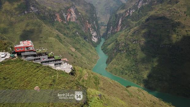 """""""Chiếm đóng"""" giữa kỳ quan thiên nhiên như Mã Pì Lèng Panorama, khách sạn lưng chừng núi ở Peru lại được khen hết lời - Ảnh 1."""