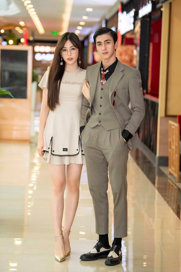 6 cặp đôi trai tài gái sắc của showbiz Việt: Đông Nhi là Á khoa, Ông Cao Thắng 12 năm học giỏi, Trấn Thành bị đuổi vì bận chạy show còn Hari luôn đứng đầu lớp - Ảnh 15.