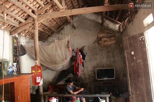 """Xót xa cụ bà 75 tuổi nuôi cả gia đình bị tâm thần và thiểu năng trí tuệ ở Vĩnh Phúc: """"Tôi khuất núi không biết các cháu sẽ ra sao"""" - Ảnh 5."""