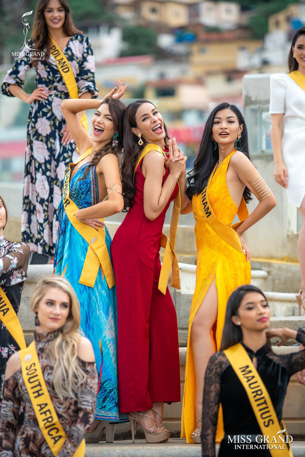 Tuyệt chiêu ghi điểm giúp Kiều Loan lọt vào 21 BXH nhan sắc tại Miss Grand: Luôn mỉm cười, chọn vị trí trung tâm nổi bật! - Ảnh 5.