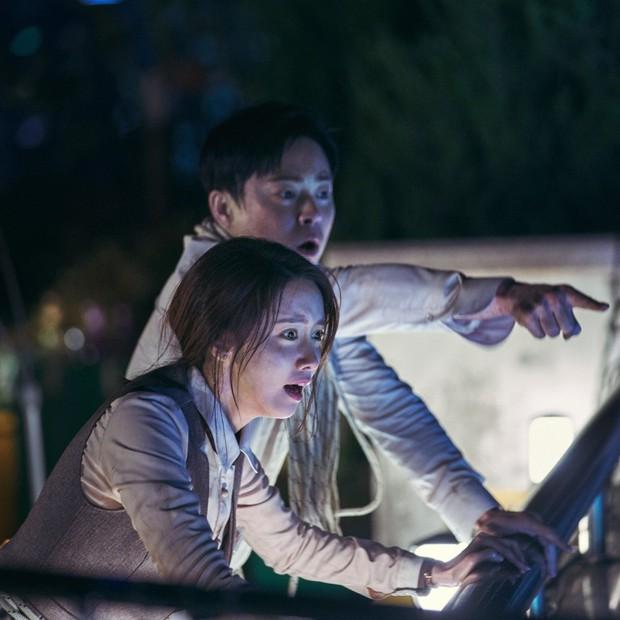 Cuối Tuần Xem Gì: Yêu YoonA, mê anh trai hài hước Jo Jung Suk thì xem liền Exit - Ảnh 5.