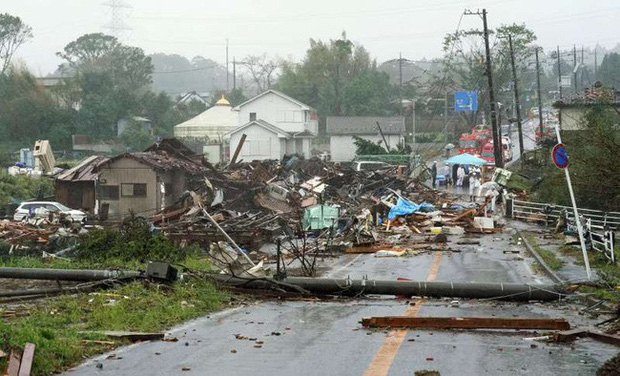 Người Nhật Bản, từ già đến trẻ không ai than khóc với thảm họa Hagibis, âm thầm vực dậy sau nỗi đau - Ảnh 2.