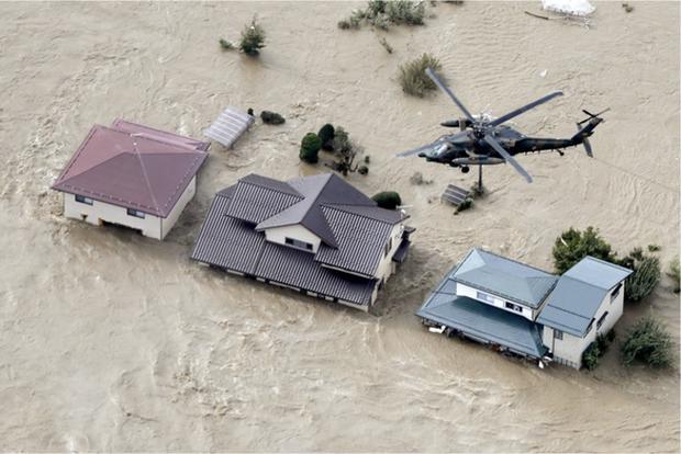 Siêu bão Hagibis tàn phá Nhật Bản: Đã cướp đi những gì? - Ảnh 1.