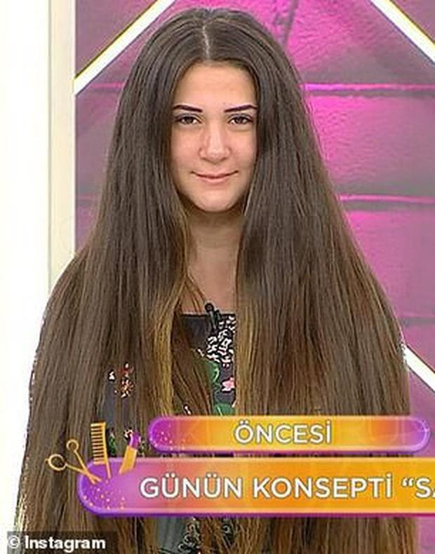 Nữ người mẫu sốc đến phát ngất ngay trên sóng truyền hình vì bị cắt phăng... 30 cm tóc - Ảnh 1.