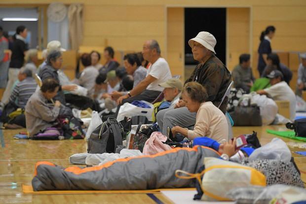 Người Nhật Bản, từ già đến trẻ không ai than khóc với thảm họa Hagibis, âm thầm vực dậy sau nỗi đau - Ảnh 5.