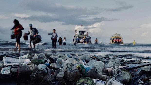 Sửng sốt vì lũ lụt nhưng không có một cọng rác, ít ai biết rằng Nhật Bản là một trong những nơi có lượng rác thải nhựa lớn nhất thế giới - Ảnh 6.