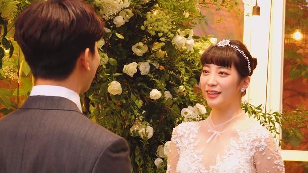 Hôn lễ cặp đôi cưới sau 700 ngày yêu: Lung linh, cô dâu lộng lẫy, Taecyeon (2PM) cùng dàn nam thần MBLAQ đến chung vui - Ảnh 9.