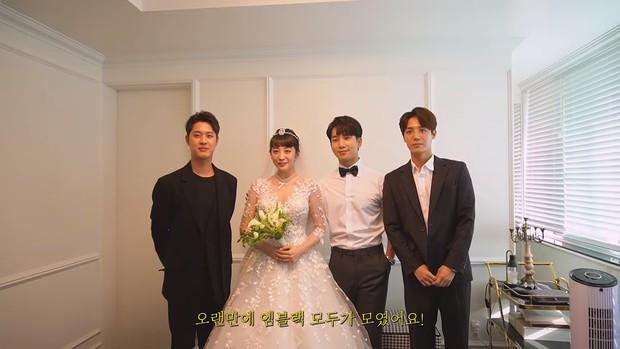 Hôn lễ cặp đôi cưới sau 700 ngày yêu: Lung linh, cô dâu lộng lẫy, Taecyeon (2PM) cùng dàn nam thần MBLAQ đến chung vui - Ảnh 12.