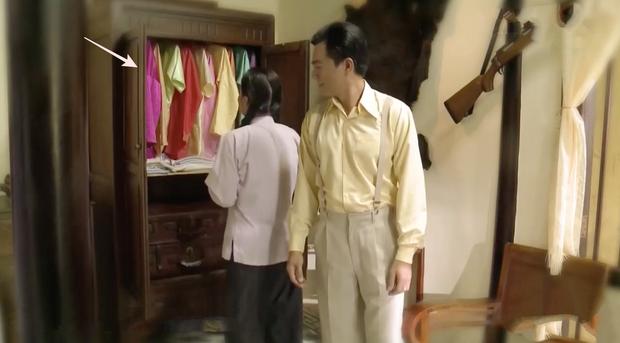 Tiếng Sét Trong Mưa tập 37: Hạnh Nhi bị chồng ghẻ lạnh vì gu ăn mặc không lòe loẹt như Thị Bình? - Ảnh 3.