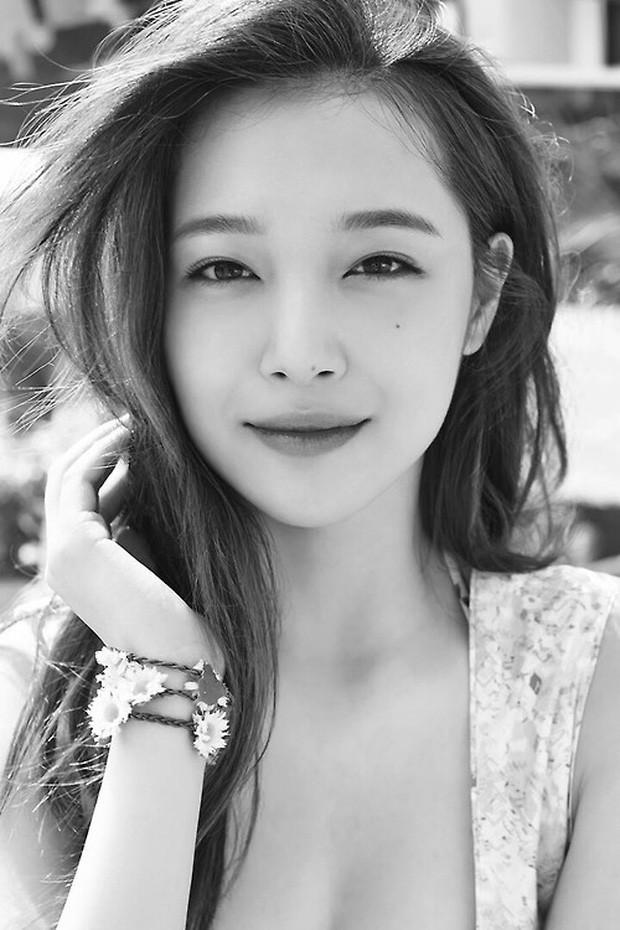 Choi Sulli và những khoảnh khắc đẹp nhất của cô gái đã từ chối nhận tổn thương thêm nữa - Ảnh 2.
