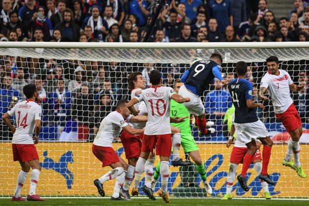 Vòng loại Euro 2020: ĐKVĐ World Cup nhận kết quả đắng ngắt ngay trên sân nhà, kịch bản không khác gì game online - Ảnh 3.