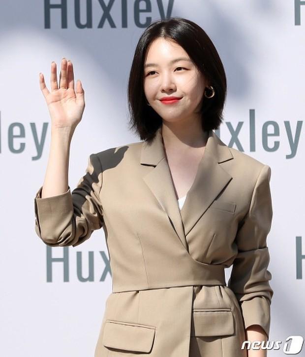 Bị hỏi muốn làm người tiếp theo không khi đăng bài chia buồn với Sulli, cách đáp trả của Minah được netizen ủng hộ nhiệt liệt - Ảnh 3.