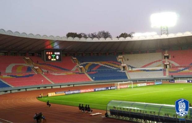 Son Heung-min và đồng đội bị Triều Tiên cầm hòa trong trận đấu không có khán giả, không phát sóng trực tiếp - Ảnh 4.