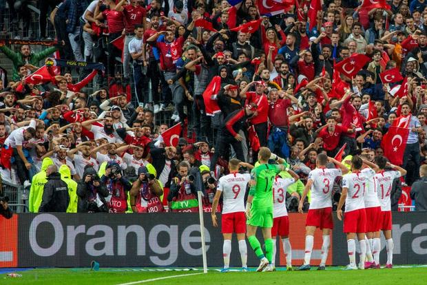 Vòng loại Euro 2020: ĐKVĐ World Cup nhận kết quả đắng ngắt ngay trên sân nhà, kịch bản không khác gì game online - Ảnh 7.