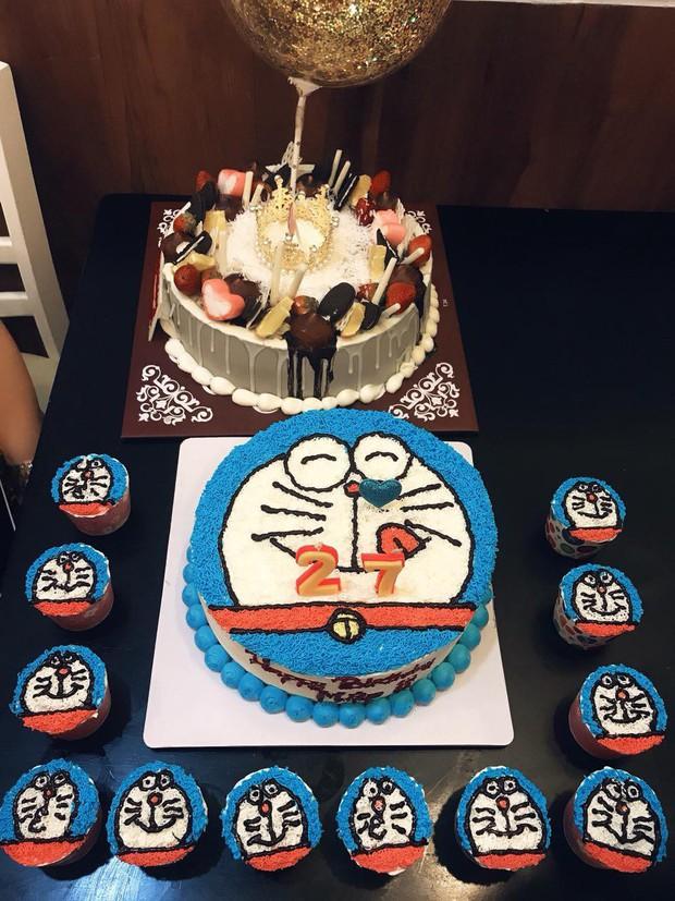 Dân tình choáng với căn phòng ngợp màu xanh của cô gái gần 30 tuổi không chịu lấy chồng vì còn mải mê Doraemon - Ảnh 7.