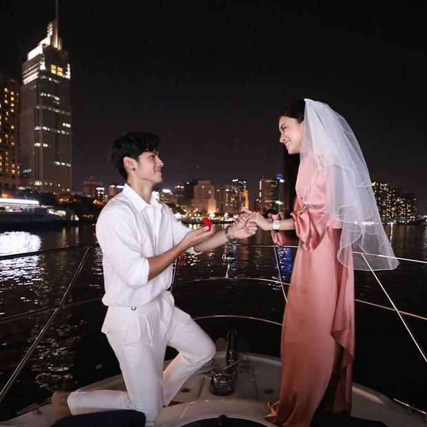 Kỉ lục yêu đương đã thuộc về Trang Anna: Công khai được 19 ngày, hôm nay nhận nhẫn cầu hôn từ trai đẹp gốc Thái - Ảnh 2.