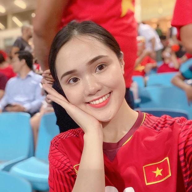 """Chỉ một cú facetime, Quỳnh Anh đã """"tiên tri"""" được Duy Mạnh sẽ ghi bàn mở tỉ số trận thắng 3-1 trước Indonesia! - Ảnh 2."""
