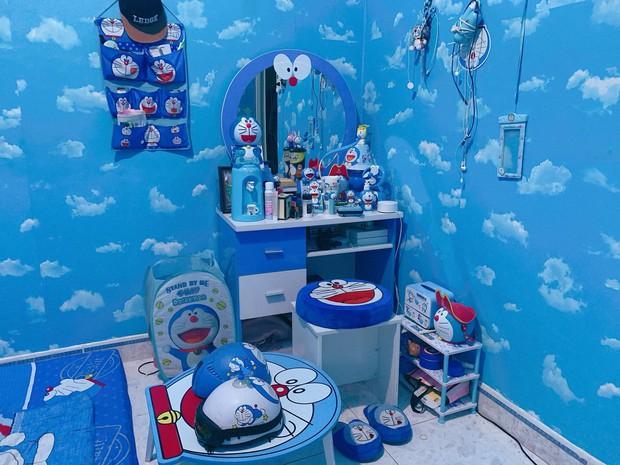 Dân tình choáng với căn phòng ngợp màu xanh của cô gái gần 30 tuổi không chịu lấy chồng vì còn mải mê Doraemon - Ảnh 4.