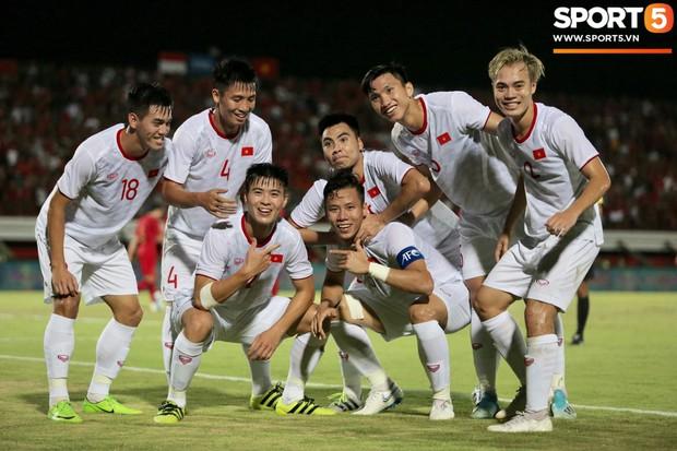 HLV Park Hang-seo tiết lộ bí mật bất ngờ về Công Phượng sau trận thắng Indonesia - Ảnh 3.