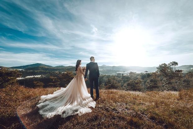 """Choáng toàn tập với khung cảnh """"1 mét vuông 12 cô dâu"""" ở Đà Lạt mùa cỏ hồng, bình minh 30 phút mà có 50 đôi chụp ảnh cưới - Ảnh 5."""