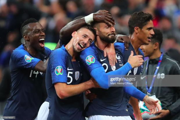Vòng loại Euro 2020: ĐKVĐ World Cup nhận kết quả đắng ngắt ngay trên sân nhà, kịch bản không khác gì game online - Ảnh 4.