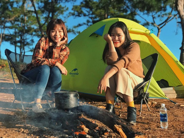 Rủ crush lên Đà Lạt cắm trại qua đêm trên đỉnh đồi, trải nghiệm hoàn toàn xứng đáng mà tuổi trẻ nhất định phải thử! - Ảnh 2.
